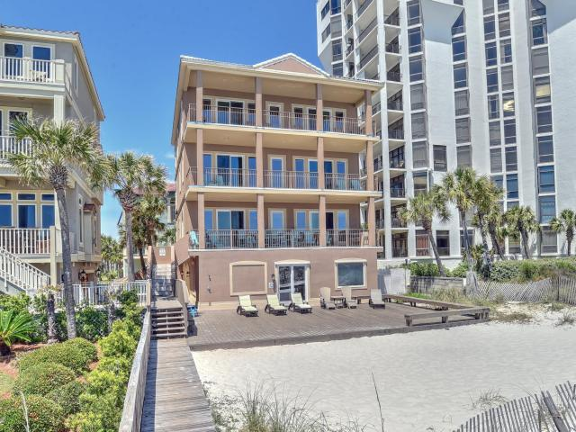 132 SANDPRINT CIRCLE DESTIN FL